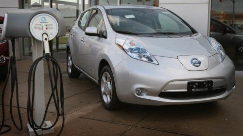 Компания Nissan больше не будет производить аккумуляторы для электрокаров