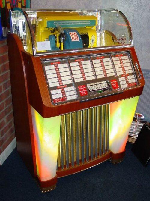 ретро музыкальный автомат