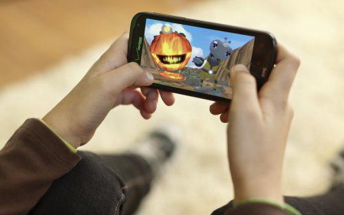 Во что поиграть на смартфоне?