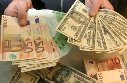 Зачем ежедневно следить за курсом валют?