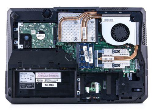Замена комплектующих ноутбука – почему не стоит это делать самому?